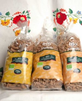 Organic whole-wheat spelled pasta twisted